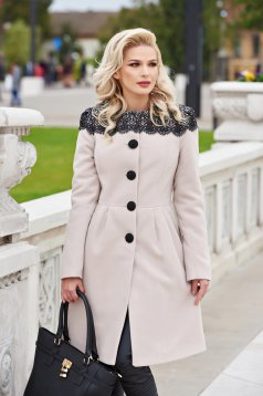 Cream elegant wool coat with embroidery details