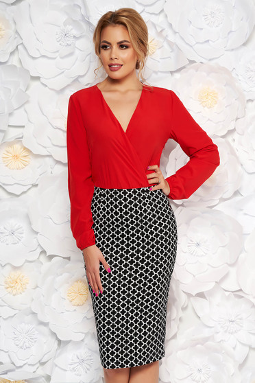 Rochie StarShinerS rosie office tip creion din material elastic si voal cu decolteu