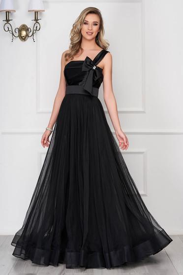 Rochie de ocazie Ana Radu neagra din voal cu accesoriu in forma de fundita