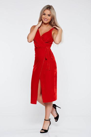 Rochie rosie de ocazie petrecuta din catifea