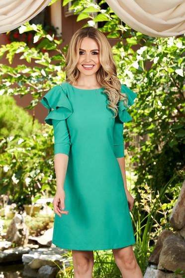 Rochie LaDonna verde cu croi in a de zi din stofa usor elastica cu volanase la maneca