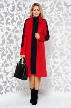 Palton LaDonna rosu elegant cu un croi drept din lana captusit pe interior cu aplicatii de dantela