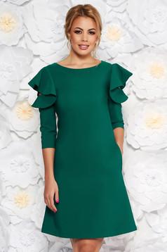 Rochie LaDonna verde-deschis cu croi in a de zi din stofa usor elastica cu volanase la maneca