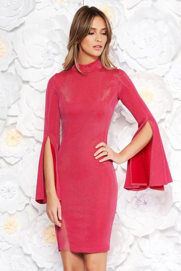 Rochie Artista roz de party scurta din material lucios cu maneci clopot