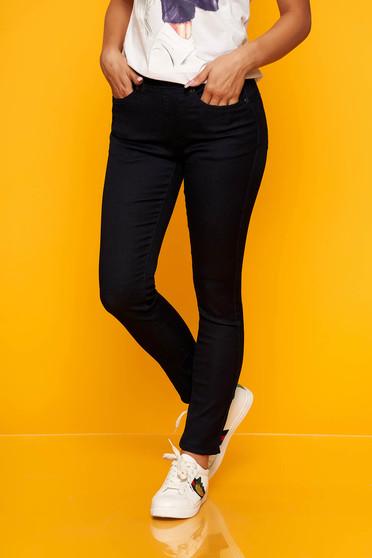 Blugi Top Secret albastru-inchis casual skinny cu talie medie cu elastic in talie