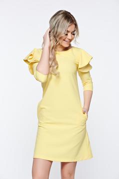 Rochie LaDonna galbena eleganta de zi din stofa usor elastica cu croi in a si volanase la maneca