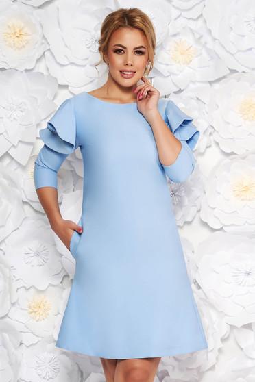 Rochie LaDonna albastra-deschis de zi cu croi in A din stofa usor elastica cu volanase la maneca