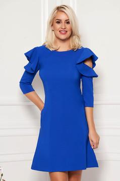 Rochie LaDonna albastra eleganta de zi din stofa usor elastica cu croi in a si volanase la maneca