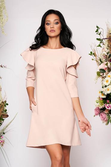 Rochie LaDonna roz prafuit eleganta de zi din stofa usor elastica cu croi in a si volanase la maneca