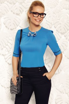 Camasa dama Fofy albastra office din bumbac elastic cu un croi mulat accesorizata cu o fundita