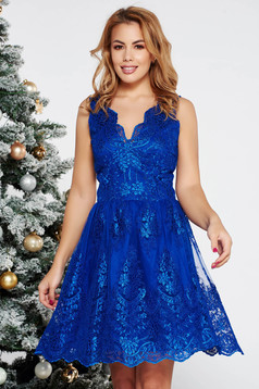 Rochie LaDonna albastra de ocazie in clos din dantela captusita pe interior