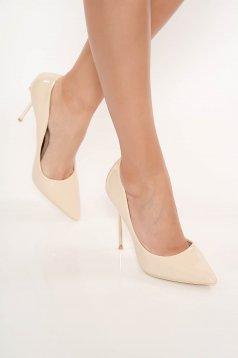 Pantofi crem elegant din piele ecologica lacuita cu varful usor ascutit cu toc inalt