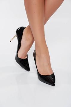 Pantofi negru eleganti din piele ecologica lacuita cu varful usor ascutit cu toc inalt din metal
