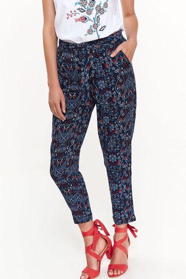 Pantaloni Top Secret albastri casual cu talie medie cu buzunare din material vaporos cu elastic in talie