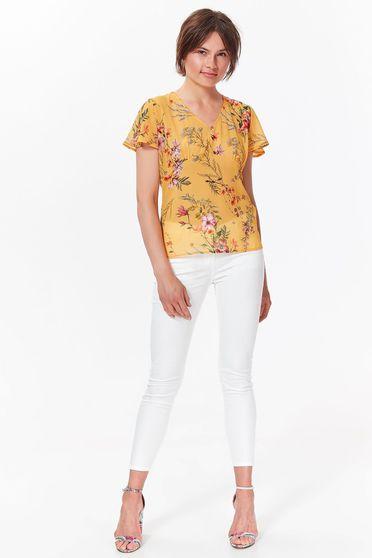 Bluza dama Top Secret galbena eleganta cu croi larg din material vaporos si transparent cu decolteu in v