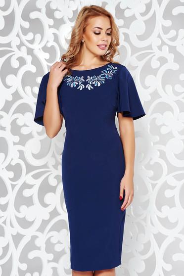 Rochie albastra-inchis StarShinerS eleganta brodata tip creion din stofa elastica subtire cu spatele decupat