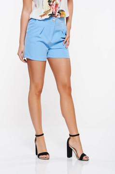 Pantalon scurt PrettyGirl albastru-deschis casual cu talie medie din stofa subtire usor elastica cu buzunare