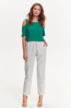 Bluza dama Top Secret verde eleganta cu croi larg din material fin la atingere cu umeri decupati