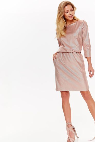 Rochie Top Secret rosa eleganta cu croi larg din material usor elastic cu aspect metalic