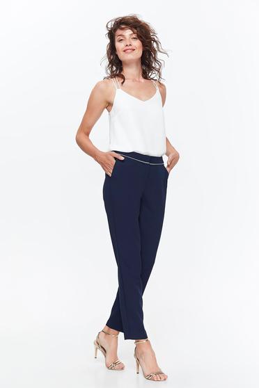Pantaloni Top Secret albastri-inchis office conici din material usor elastic cu talie medie si buzunare