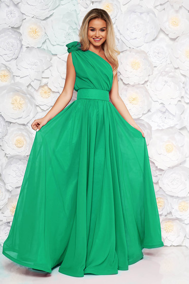 Rochie Ana Radu verde de lux lunga in clos din voal captusita pe interior accesorizata cu cordon