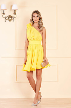 Ana Radu luxurious yellow dress from veil fabric with inside lining cloche accessorized with tied waistband