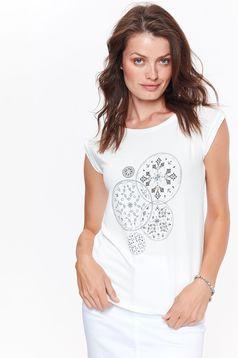 Tricou Top Secret alb casual cu maneca scurta cu croi larg din material usor elastic cu print