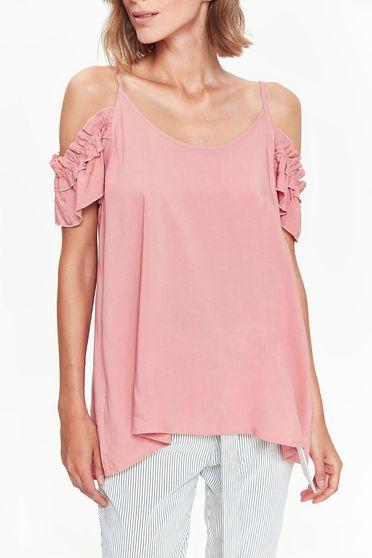 Bluza dama Top Secret rosa casual cu croi larg cu umeri decupati din material vaporos cu volanase la maneca