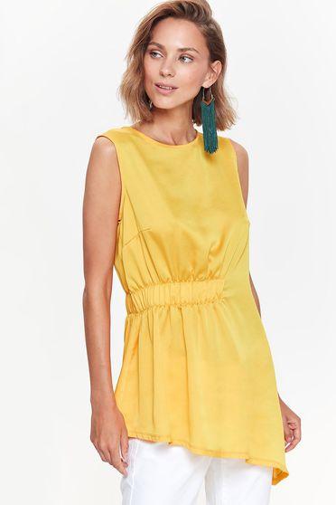 Bluza dama Top Secret galbena casual asimetrica cu croi larg din material satinat cu elastic in talie