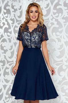 Rochie albastra-inchis de ocazie in clos din voal cu tul cu aplicatii cu margele