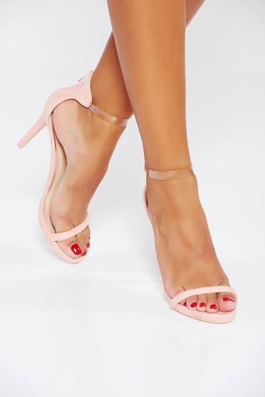 Sandale roz de ocazie din piele ecologica cu barete subtiri