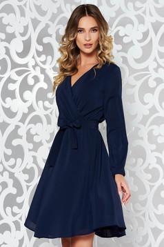 Rochie StarShinerS albastra-inchis eleganta in clos din voal captusita pe interior cu elastic in talie accesorizata cu cordon