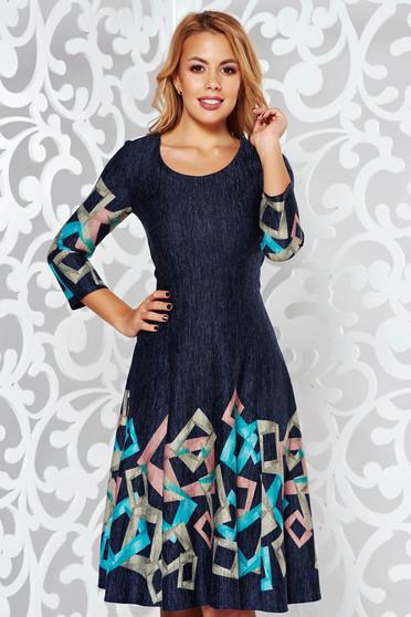 Rochie turcoaz de zi midi in clos din material moale tricotata cu maneci trei-sferturi