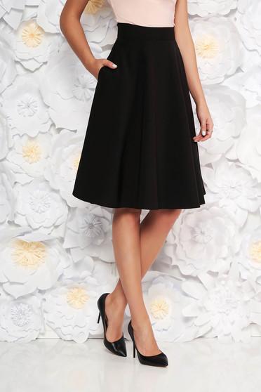 Fusta StarShinerS neagra eleganta in clos cu talie inalta din stofa usor elastica office
