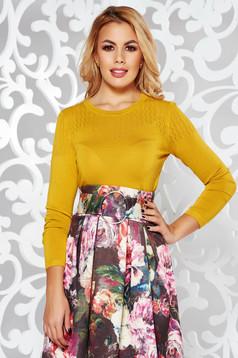 Bluza dama mustarie casual cu un croi mulat din material tricotat cu maneci lungi