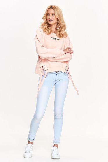 Bluza dama Top Secret roz casual cu croi larg din bumbac accesorizata cu snur
