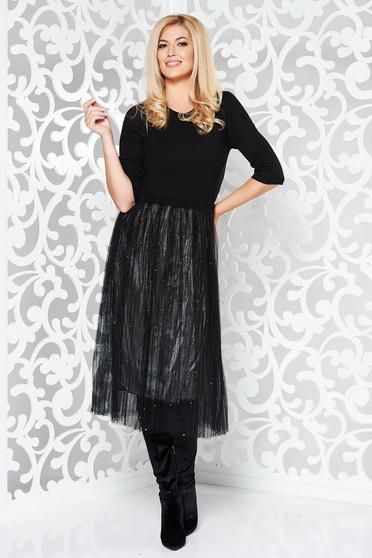 Rochie StarShinerS neagra de zi in clos din material tricotat cu elastic in talie cu aplicatii cu pietre strass