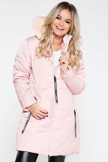 Geaca SunShine roz deschis casual imblanita cu un croi drept din fas cu buzunare si gluga imblanita