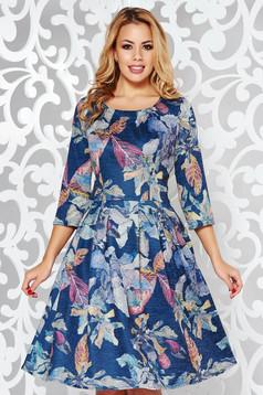 Rochie albastra-inchis de zi in clos cu maneca 3/4 material tricotat