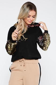 Pulover SunShine negru casual cu croi larg din material tricotat fin la atingere cu aplicatii cu paiete