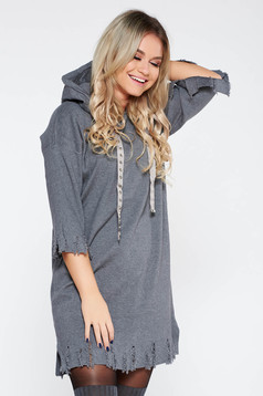 Rochie SunShine gri casual cu croi larg din material tricotat cu rupturi cu gluga nedetasabila