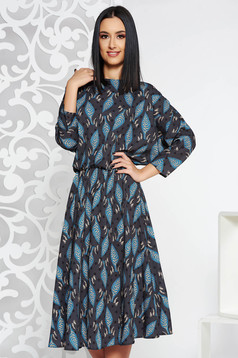 Rochie gri-inchis casual midi in clos din material satinat cu elastic in talie