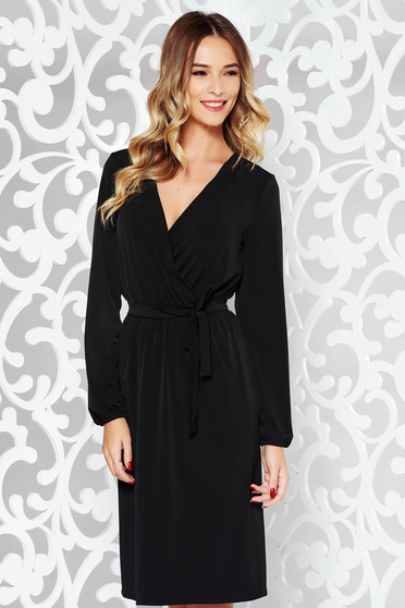 Rochie StarShinerS neagra eleganta din material fin la atingere cu elastic in talie accesorizata cu cordon
