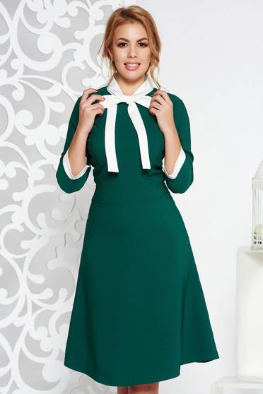 Rochie verde office midi din stofa elastica subtire cu guler