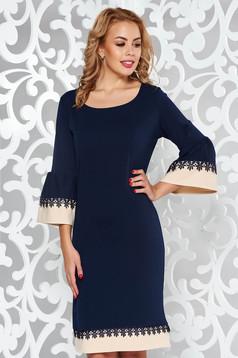 Rochie albastra-inchis eleganta cu croi larg din material elastic cu aplicatii de dantela
