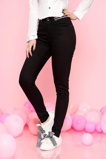 Pantaloni Top Secret negri casual cu talie inalta cu un croi mulat din bumbac usor elastic cu elastic in talie