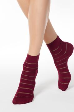 Sosete visinii din material elastic cu calcai curbat