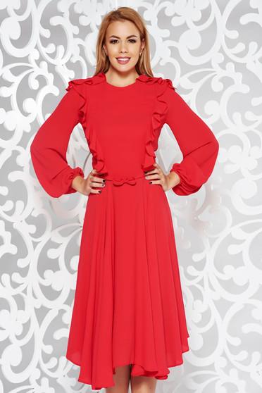 Rochie rosie eleganta midi in clos din voal captusita pe interior accesorizata cu cordon
