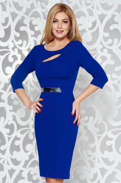 Rochie albastra eleganta tip creion din material elastic decupat la bust accesorizata cu cordon