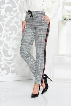 Pantaloni PrettyGirl gri casual cu talie medie din stofa neelastica cu buzunare accesorizati cu snur